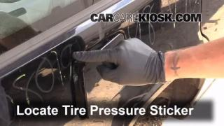 Properly Check Tire Pressure: Volvo 740 (1990-1992)