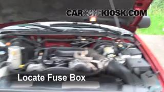Blown Fuse Check 1998-2005 Chevrolet Blazer