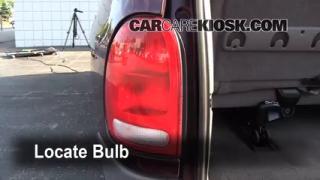 1999 Dodge Caravan 3.0L V6 Lights Turn Signal - Rear (replace bulb)