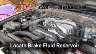 1996-2002 Toyota 4Runner Brake Fluid Level Check