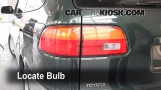 Tail Light Change 1998-2003 Toyota Sienna