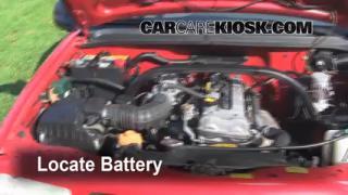 Battery Replacement: 1999-2005 Suzuki Grand Vitara