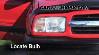 Headlight Change 1999-2005 Suzuki Grand Vitara