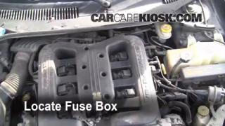 Replace a Fuse: 1999-2001 Chrysler LHS