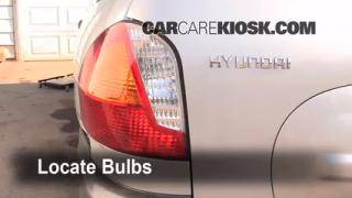 2001 Hyundai Santa Fe GL 2.4L 4 Cyl. Lights Tail Light (replace bulb)