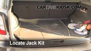 2001-2006 Hyundai Santa Fe Jack Up How To