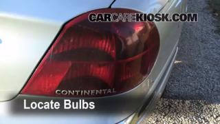 2001 Lincoln Continental 4.6L V8 Lights Tail Light (replace bulb)