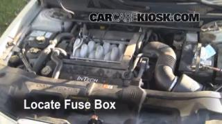 interior fuse box location 1995 2002 lincoln continental 2001 lincoln continental 4 6l v8. Black Bedroom Furniture Sets. Home Design Ideas