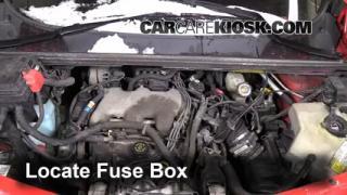 Replace a Fuse: 2001-2005 Pontiac Aztek