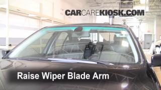 Front Wiper Blade Change BMW 530i (1997-2003)