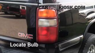 Tail Light Change 2000-2006 GMC Yukon XL 2500