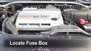 Replace a Fuse: 2002-2006 Lexus ES300