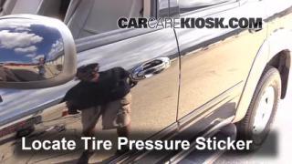 2002 Toyota Sequoia SR5 4.7L V8 Neumáticos y ruedas Controlar presión de neumáticos