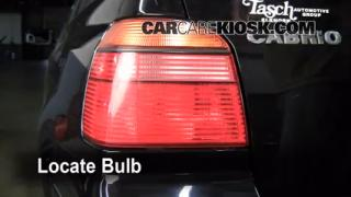 2002 Volkswagen Cabrio GLX 2.0L 4 Cyl. Lights Turn Signal - Rear (replace bulb)