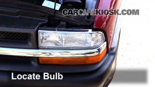 2003 Chevrolet S10 2.2L 4 Cyl. Standard Cab Pickup (2 Door) Lights Turn Signal - Front (replace bulb)