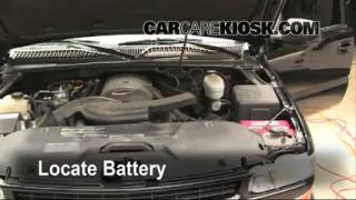 Battery Replacement: 2000-2006 Chevrolet Suburban 1500