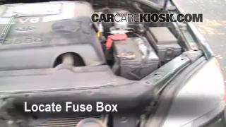 Replace a Fuse: 2003-2009 Kia Sorento