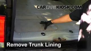 2003 Lincoln Aviator 4.6L V8 Levantar auto Usar el gato para levantar el auto