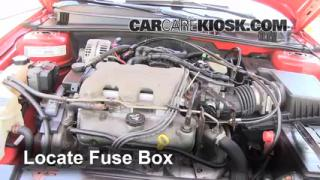 Replace a Fuse: 1999-2005 Pontiac Grand Am