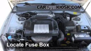 Replace a Fuse: 2002-2005 Hyundai Sonata