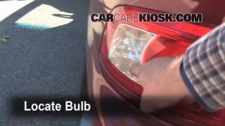 2004 Kia Optima EX 2.7L V6 Lights Turn Signal - Rear (replace bulb)