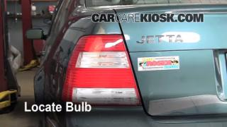 Tail Light Change 1999-2005 Volkswagen Jetta