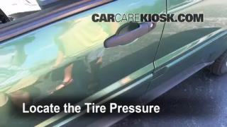 Properly Check Tire Pressure: Chevrolet Equinox (2005-2009)