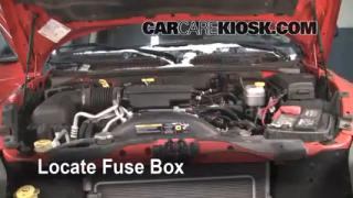 Replace a Fuse: 2005-2011 Dodge Dakota