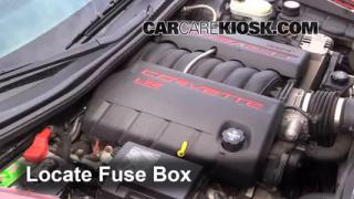 Replace a Fuse: 2005-2013 Chevrolet Corvette