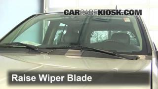 2006 Chevrolet Trailblazer LT 4.2L 6 Cyl. Windshield Wiper Blade (Front) Replace Wiper Blades