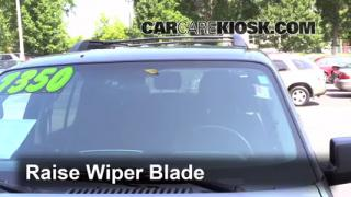 Front Wiper Blade Change Mercury Mountaineer (2002-2010)