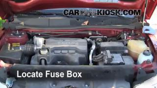 Replace a Fuse: 2006-2009 Pontiac Torrent