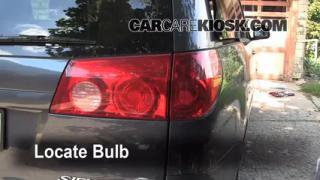 2006 Toyota Sienna LE 3.3L V6 Lights Turn Signal - Rear (replace bulb)