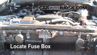 Replace a Fuse: 2000-2006 Toyota Tundra
