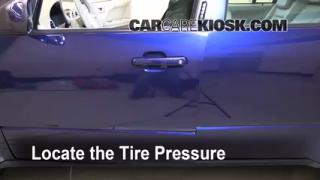 Properly Check Tire Pressure: Ford Freestyle (2005-2007)
