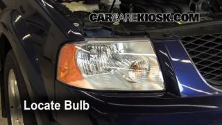 2007 Ford Freestyle Limited 3.0L V6 Lights Turn Signal - Front (replace bulb)