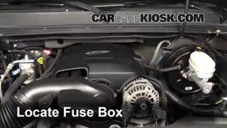 Replace a Fuse: 2007-2013 GMC Sierra 1500