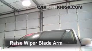 Front Wiper Blade Change Honda Odyssey (2005-2010)