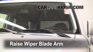 Front Wiper Blade Change Toyota FJ Cruiser (2007-2014)