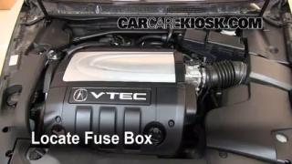 Replace a Fuse: 2005-2008 Acura RL