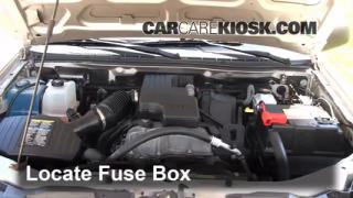2008 Chevrolet Colorado WT 2.9L 4 Cyl. Standard Cab Pickup %282 Door%29%2FFuse Engine Part 1 blown fuse check 2004 2012 chevrolet colorado 2008 chevrolet 2004 chevy colorado fuse diagram at readyjetset.co