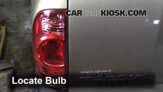 2008 Toyota Tacoma 2.7L 4 Cyl. Extended Cab Pickup (4 Door) Luces Luz de giro trasera (reemplazar foco)