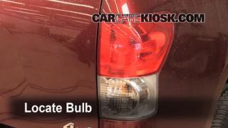 Tail Light Change 2007-2013 Toyota Tundra
