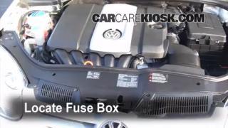 2008 Volkswagen Rabbit S 2.5L 5 Cyl. (2 Door) Fuse (Engine) Replace