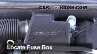 2009 GMC Envoy SLE 4.2L 6 Cyl. Fuse (Engine) Replace