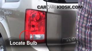 2009 Honda Pilot Touring 3.5L V6 Lights Tail Light (replace bulb)