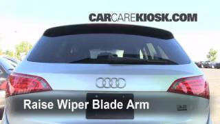 Cambio de escobillas de limpiaparabrisas trasero de Audi Q5 (2009-2014)