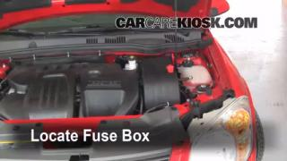 Replace a Fuse: 2005-2010 Chevrolet Cobalt