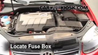 Blown Fuse Check 2005-2014 Volkswagen Jetta