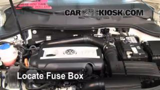 Replace a Fuse: 2006-2010 Volkswagen Passat